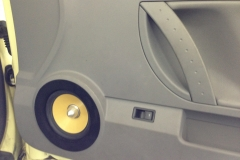 VW Beetle - door speaker