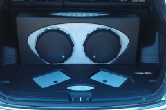 Hyundai Tucson - custom subs and amps installation