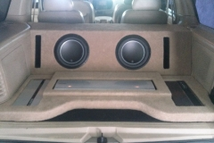2000 Lincoln Navigator custom sub & amp enclosure - finished